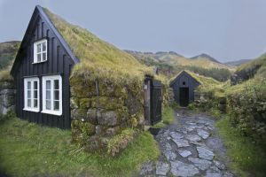 Skogar turf-roofed homes